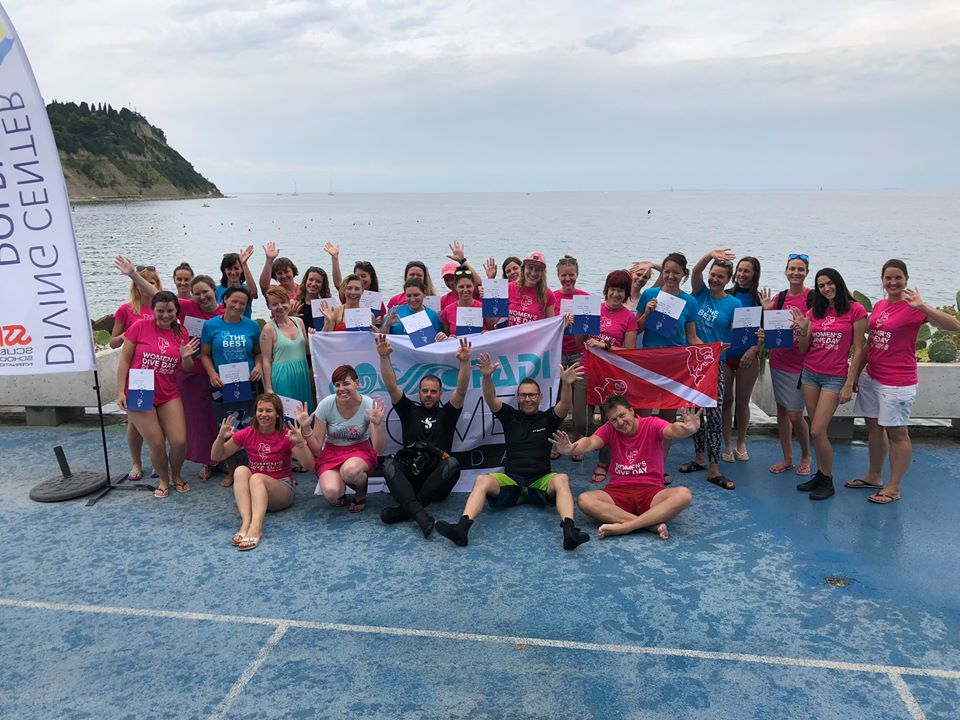 Dan potapljačic - PADI Women's Dive Day